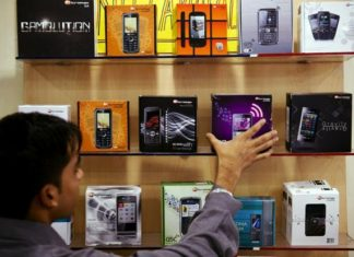 India becomes world's second-largest smartphone market,