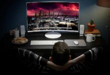 Samsung CH711 Quantum Dot curved monitor