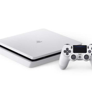 PS4 Slim in glacier white color